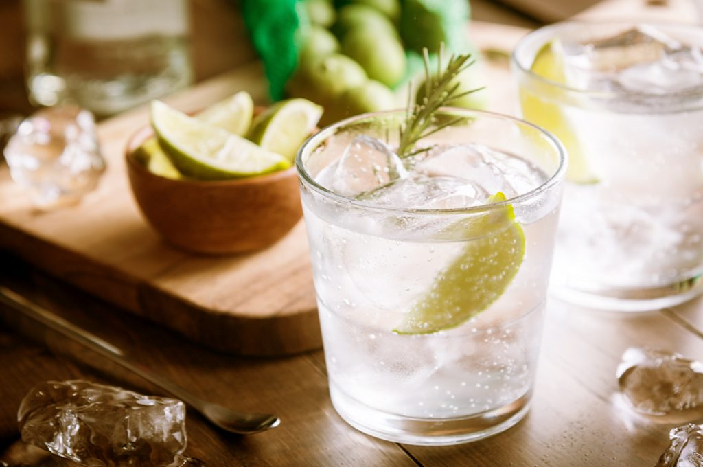 Gin and tonic is a low calorie drink option